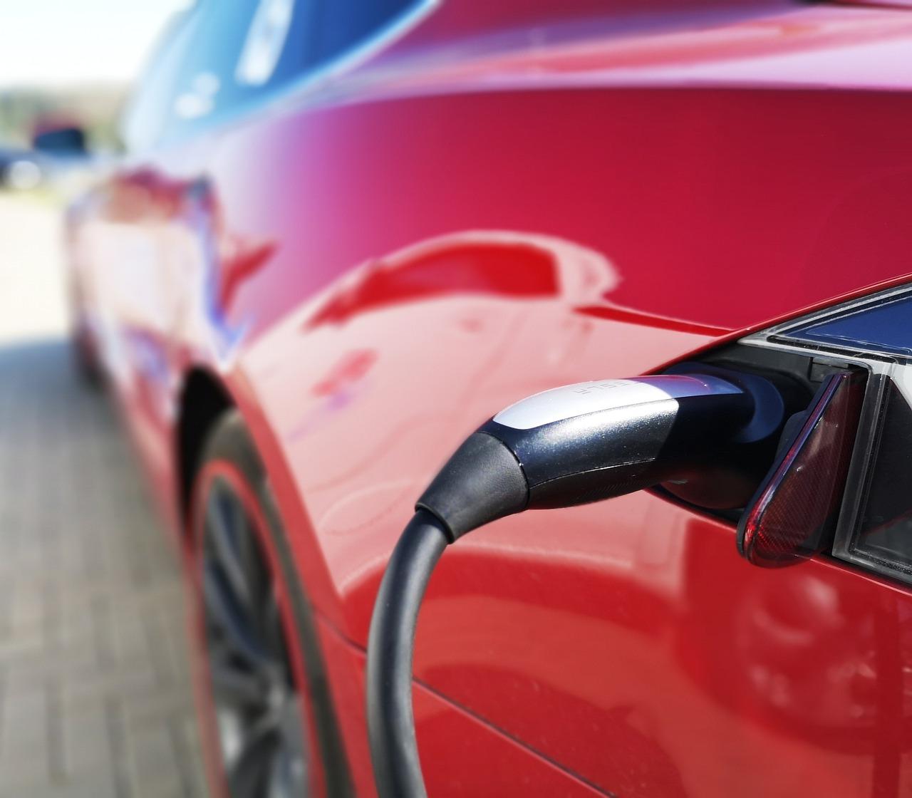recharging electric vehicle battery